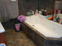 Main Bathroom - 8 square meters of property in Dalview