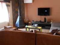 Lounges - 24 square meters of property in Dalview