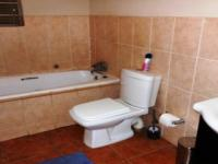 Main Bathroom - 7 square meters of property in Clubview