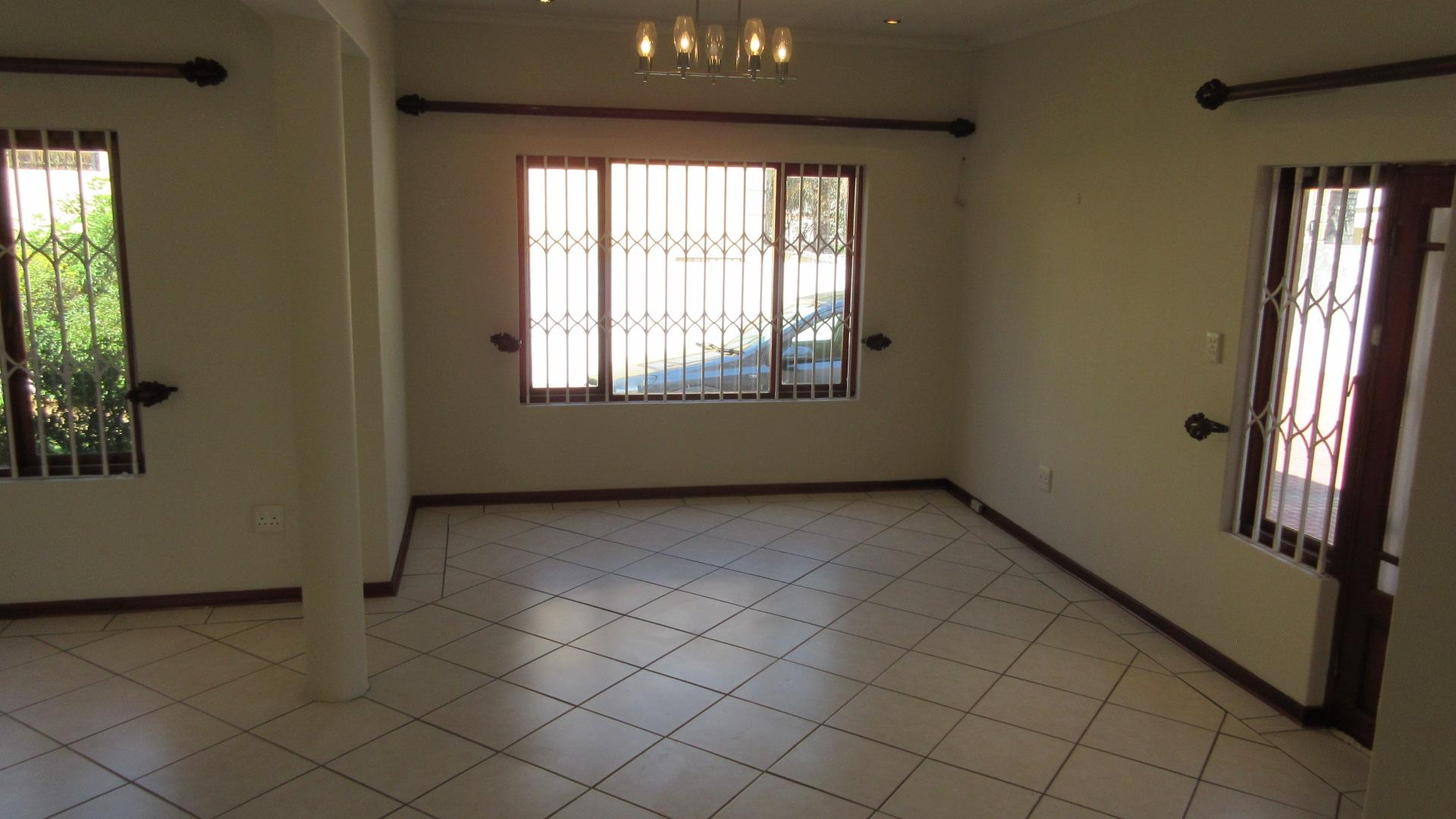 Dining Room - 23 square meters of property in Broadacres
