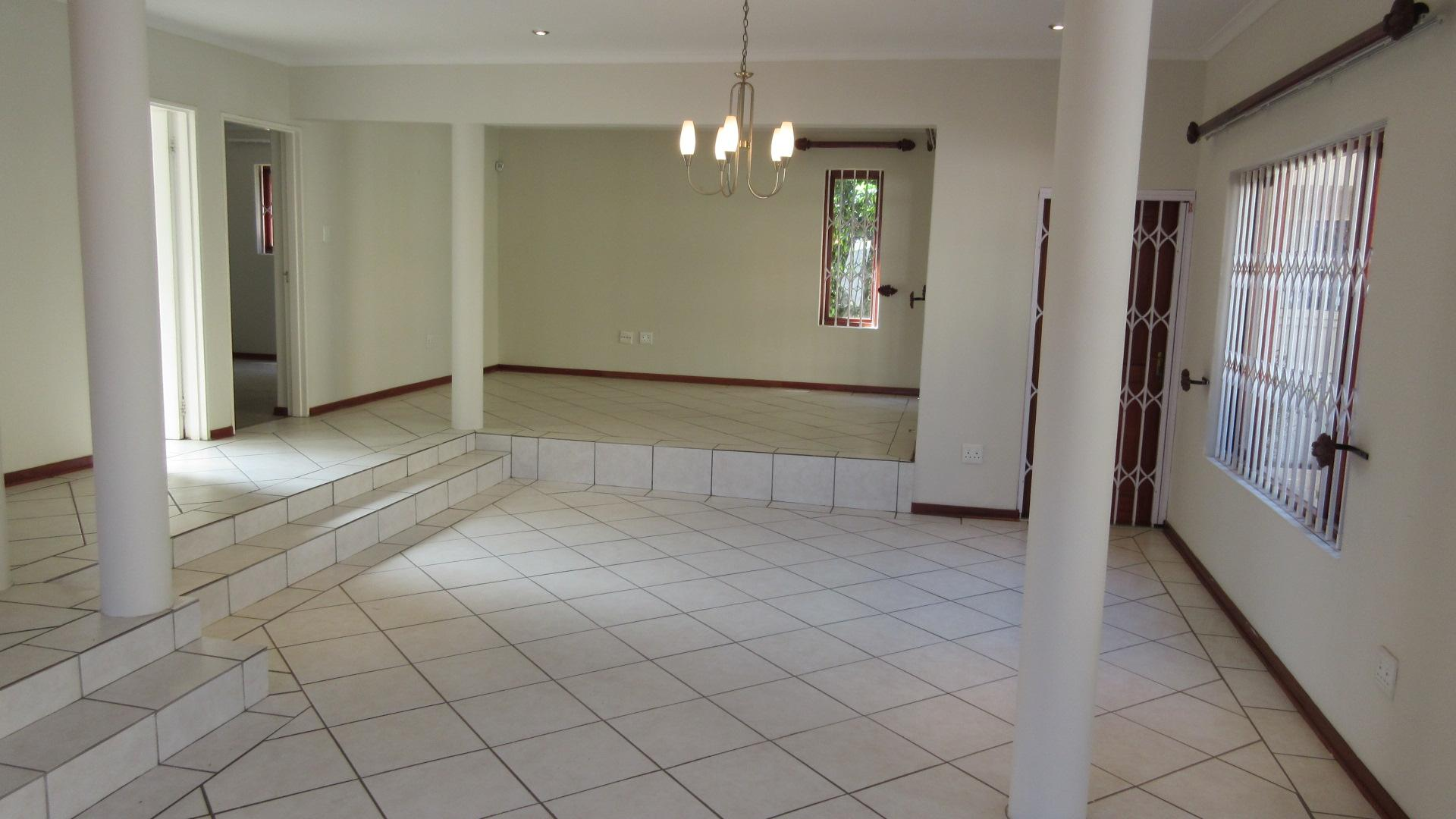 Lounges - 27 square meters of property in Broadacres