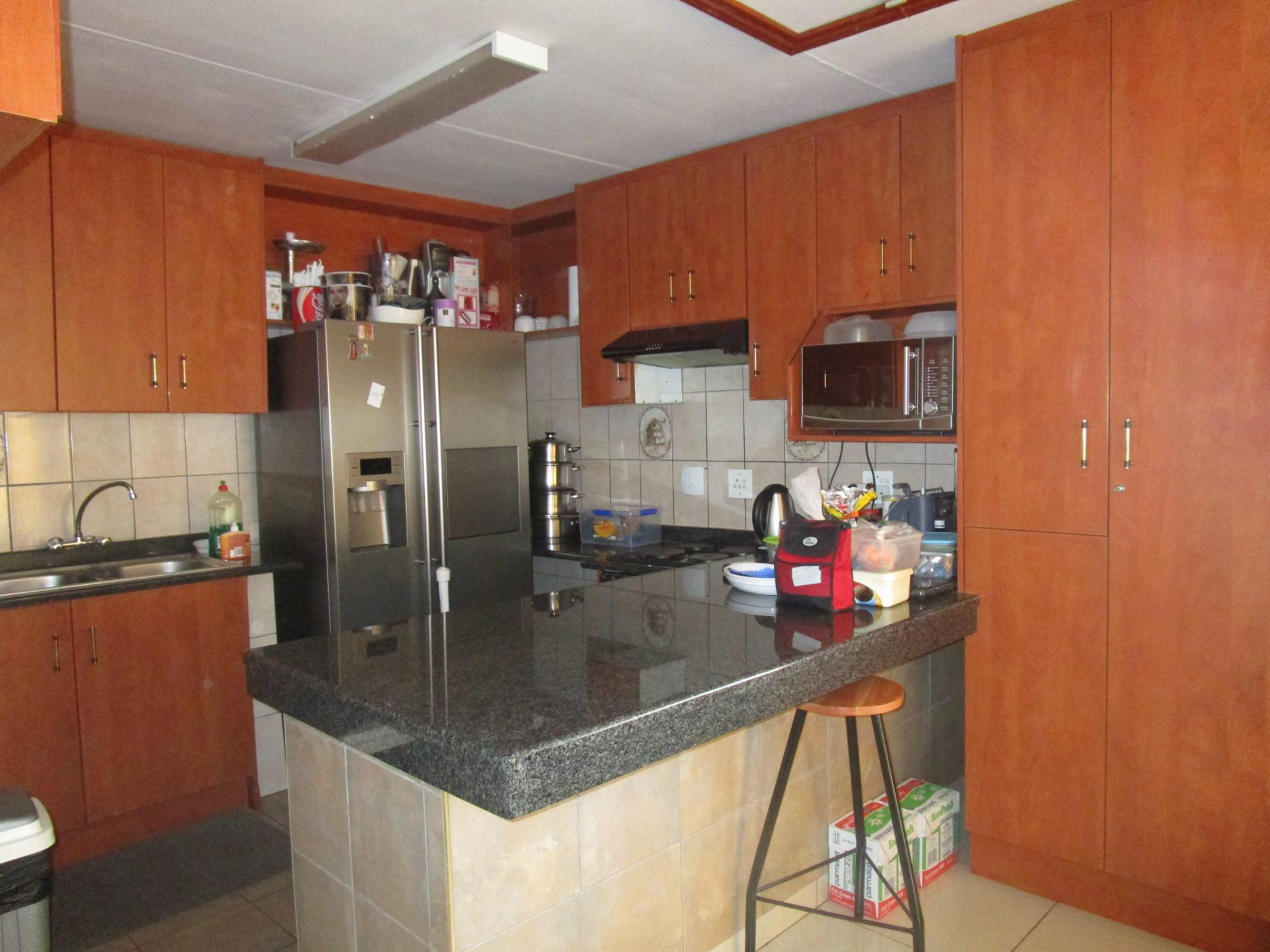 3 bedroom house for sale for sale in lenasia south home for Kitchen fitters gauteng