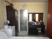 Main Bedroom - 12 square meters of property in Lenasia South