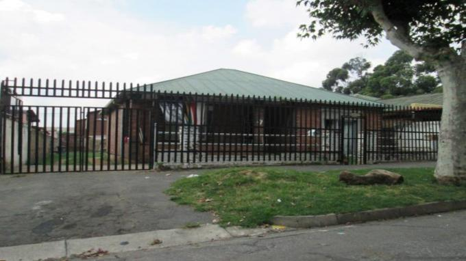 2 Bedroom House For Sale in West Turffontein - Private Sale - MR134421