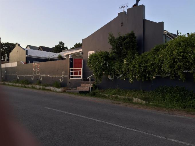 Standard Bank Repossessed 3 Bedroom House on online auction in Knysna - MR134429