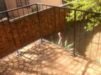 Balcony - 19 square meters of property in Faerie Glen