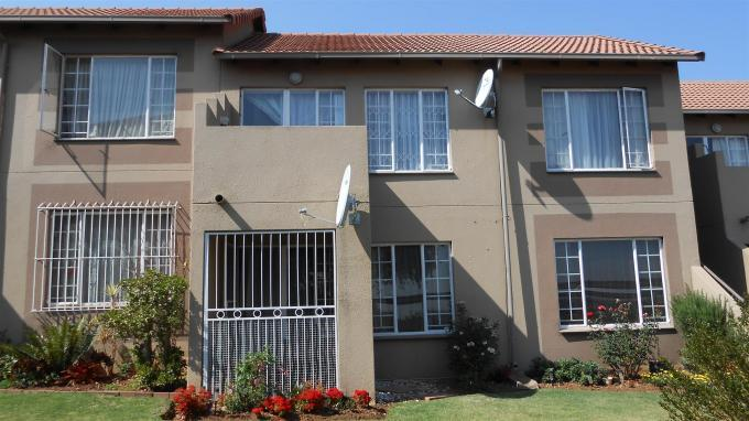 2 Bedroom Sectional Title for Sale For Sale in Edenvale - Home Sell - MR134535
