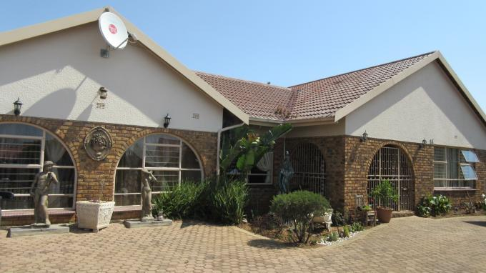 4 Bedroom House For Sale in Randfontein - Home Sell - MR134538