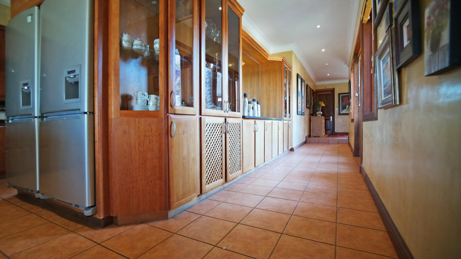 Spaces - 105 square meters of property in Woodhill Golf Estate