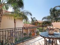 Balcony - 38 square meters of property in Woodhill Golf Estate