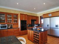 Kitchen - 28 square meters of property in Woodhill Golf Estate
