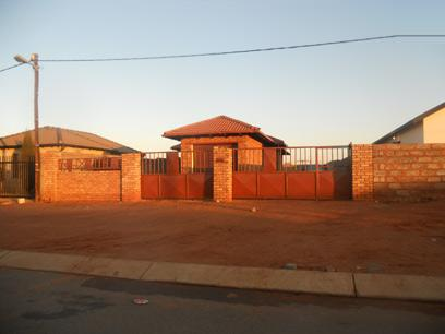Standard Bank Repossessed 3 Bedroom House for Sale For Sale in Protea Glen - MR13464
