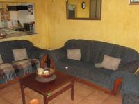 Lounges - 15 square meters of property in Westridge