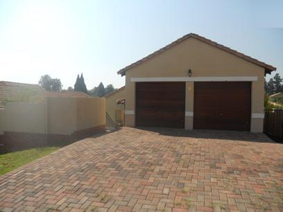 3 Bedroom Cluster for Sale For Sale in Bloubosrand - Private Sale - MR13473