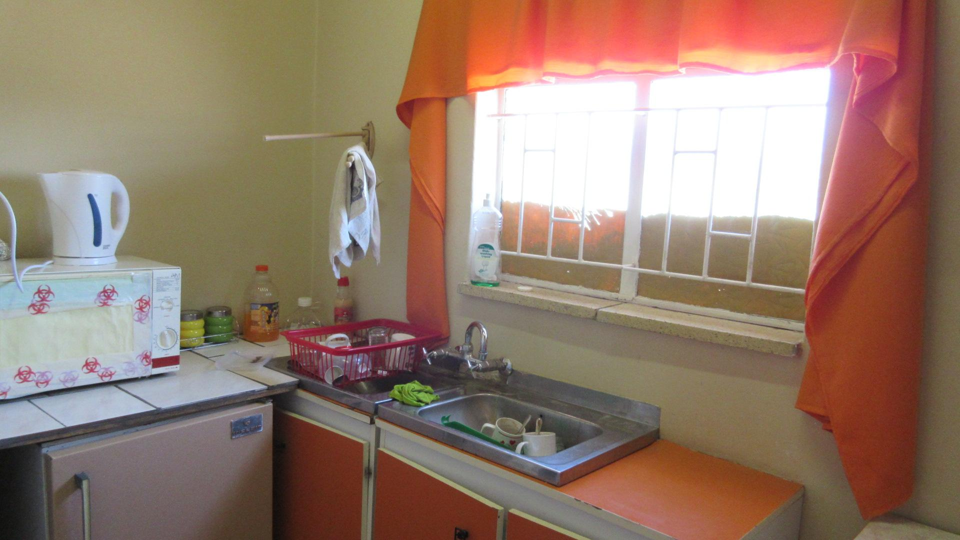 Kitchen - 5 square meters of property in Klerksdorp