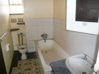 Main Bathroom - 6 square meters of property in Emalahleni (Witbank)