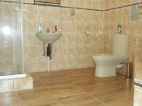 Main Bathroom - 11 square meters of property in Emalahleni (Witbank)