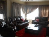 Lounges - 59 square meters of property in Emalahleni (Witbank)