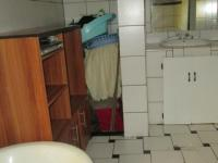 Main Bathroom - 16 square meters of property in Jeppestown