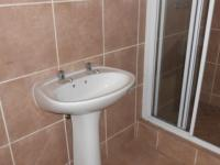 Main Bathroom - 6 square meters of property in Birchleigh