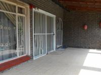 Patio - 26 square meters of property in Birchleigh North