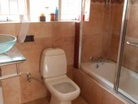 Main Bathroom - 5 square meters of property in Birchleigh North