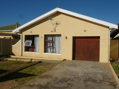 3 Bedroom House For Sale in Parow Central - Private Sale - MR13491