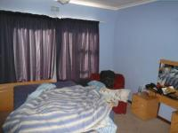 Main Bedroom - 18 square meters of property in Parow Central