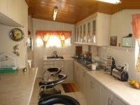 Kitchen - 25 square meters of property in Parrow Valley