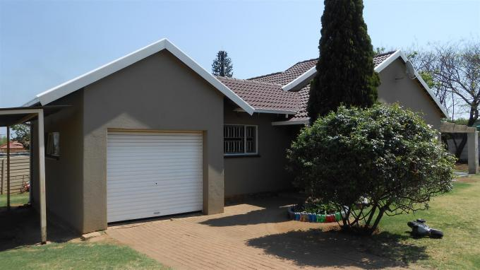 3 Bedroom House For Sale in Kempton Park - Home Sell - MR135055
