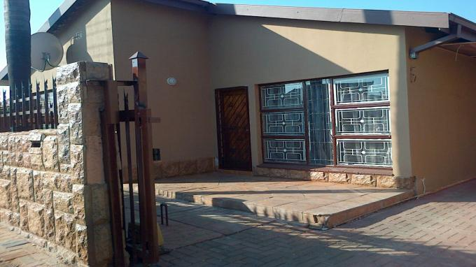 3 Bedroom House For Sale in Eersterust - Private Sale - MR135064