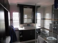Main Bathroom - 10 square meters of property in Brindhaven