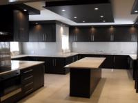 Kitchen - 28 square meters of property in Glenvista