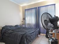 Main Bedroom - 14 square meters of property in Equestria