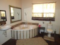 Main Bathroom - 14 square meters of property in Vanderbijlpark