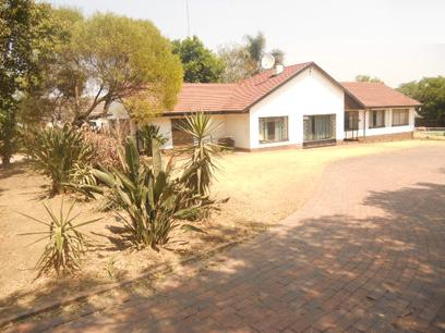 Standard Bank EasySell 3 Bedroom House for Sale For Sale in Lombardy East - MR13531