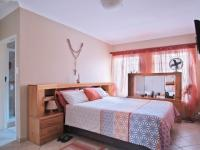 Main Bedroom - 16 square meters of property in The Wilds Estate