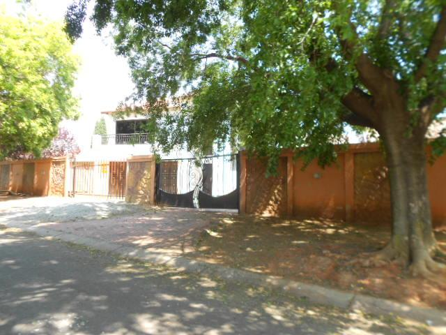 Standard Bank Repossessed 2 Bedroom House on online auction in Brakpan - MR13535