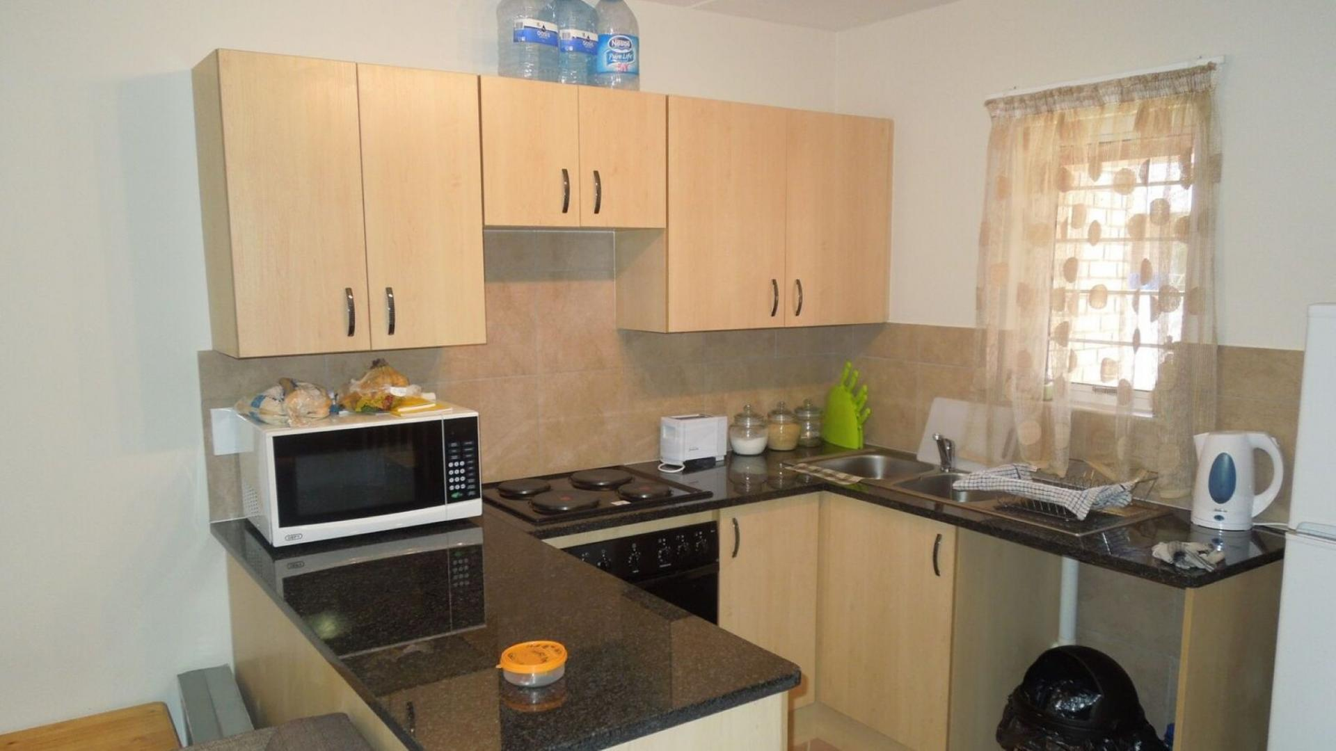 Kitchen - 7 square meters of property in Lephalale (Ellisras)