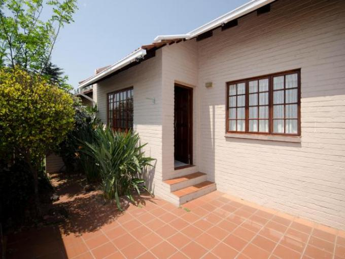 Standard Bank EasySell 2 Bedroom Sectional Title For Sale in Ferndale - JHB - MR135380