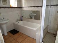 Bathroom 1 of property in Pinetown