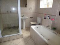 Bathroom 2 of property in Pinetown