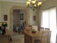Dining Room - 14 square meters of property in Brackendowns