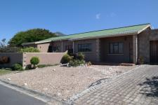 4 Bedroom 2 Bathroom House for Sale for sale in Kleinmond