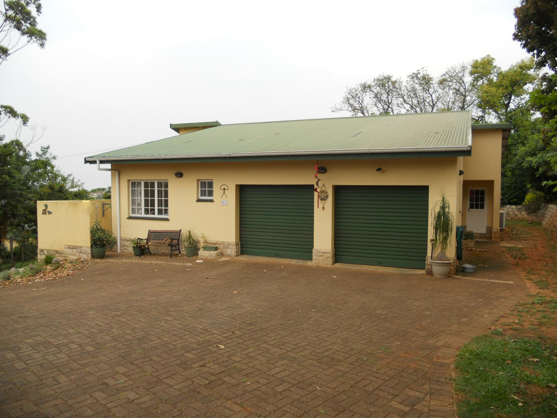 Front View of property in Umtentweni