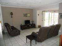 Lounges - 45 square meters of property in Umtentweni