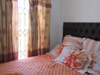 Bed Room 1 - 7 square meters of property in Johannesburg North