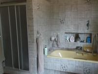 Main Bathroom - 23 square meters of property in Middelburg - MP