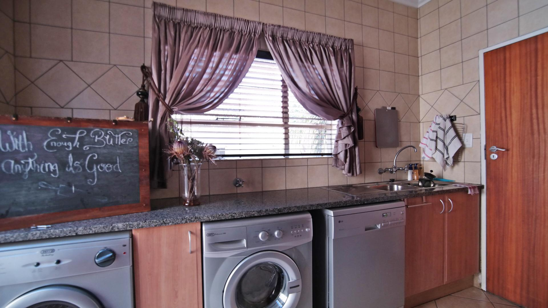 Scullery - 7 square meters of property in The Wilds Estate