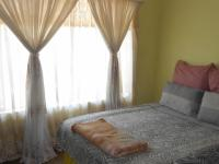 Bed Room 2 - 13 square meters of property in Crystal Park